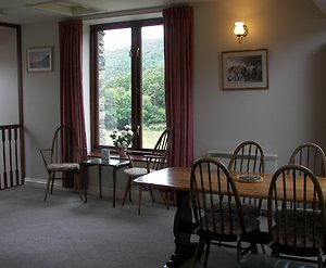 Self Catering Cottage. dining lounge